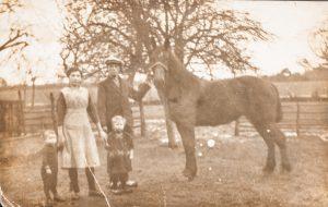 1924 Cees 2 jaar oud, links